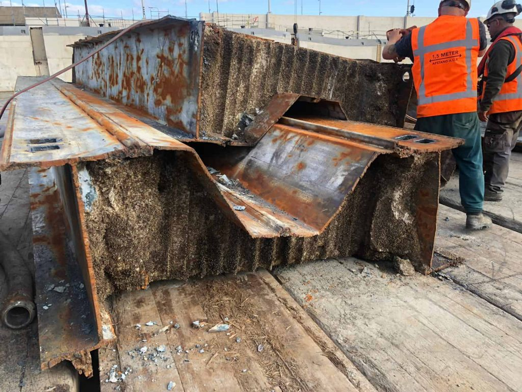 Result PVL Cutting torch ijmuiden Sea Lock Replacement(8)