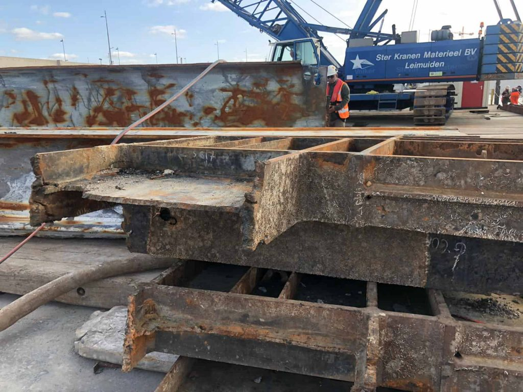 Result PVL Cutting torch ijmuiden Sea Lock Replacement (6)